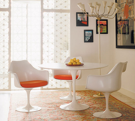 Saarinen Table and Tulip Chairs.
